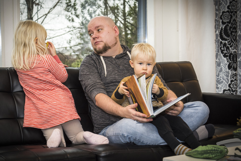 Tero Lähdesmäki on vuoden koti-isänä, jos rahat riittävät:
