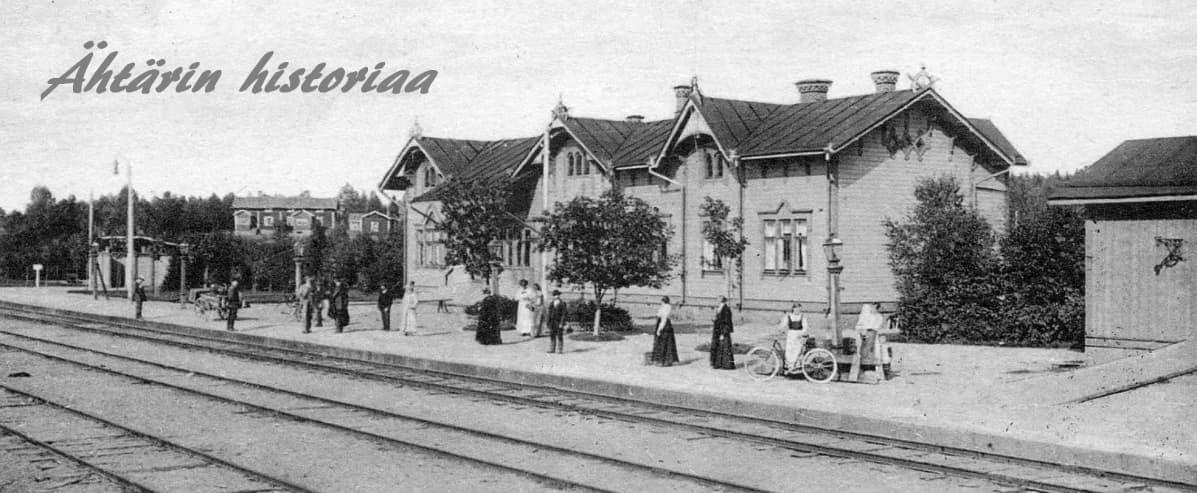 Ähtärin rautatieasema 1900-luvun alussa.