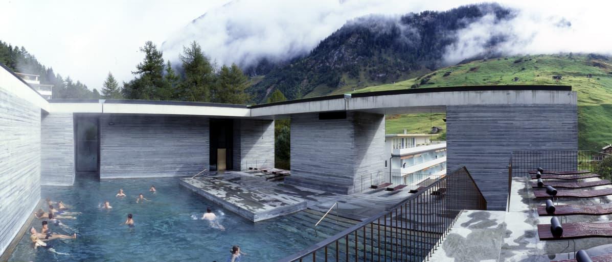 Näkymä Therme Vals -kylpylästä.
