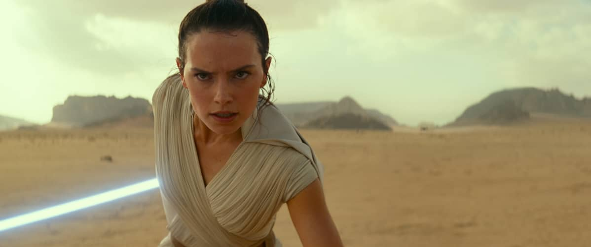 Lähikuva henkilöstä Rey (Daisy Riley) elokuvassa Star Wars: The Rise of Skywalker.