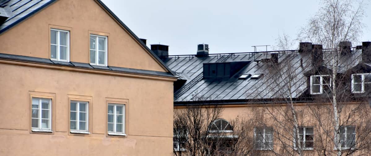 Taloja Tukholmassa.