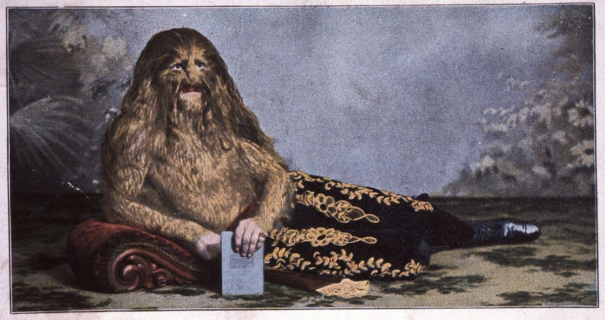 Leijonamies saksalaisessa postikortissa 1910-luvulla.