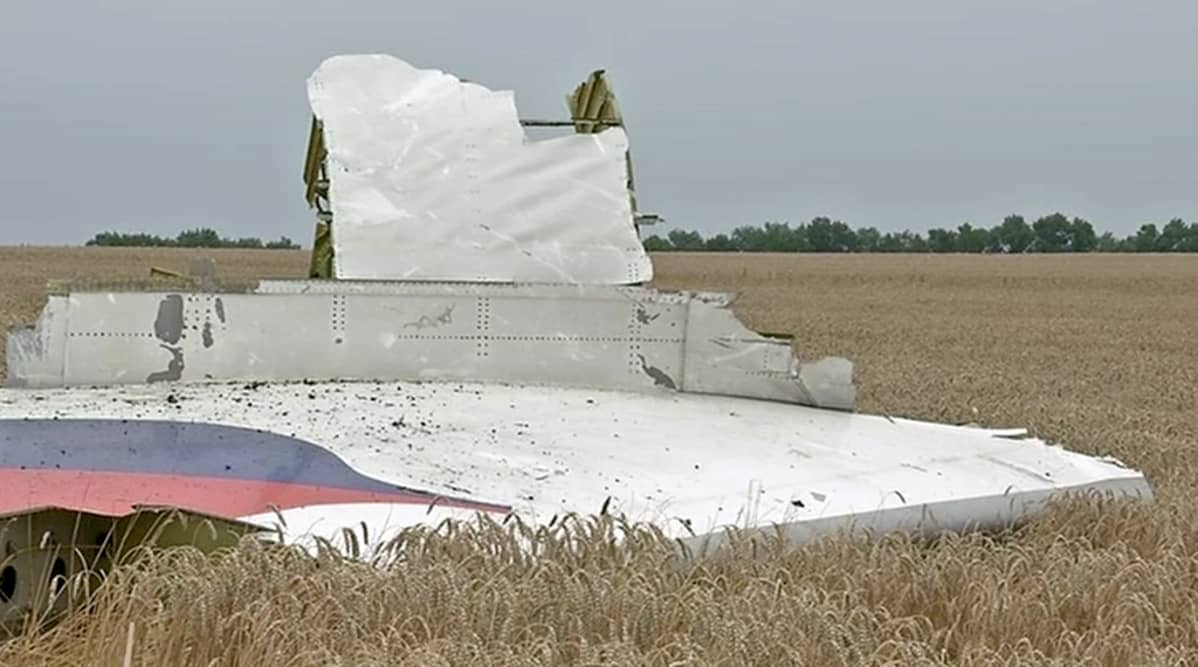 Malaysia airlines MH17 -koneen siipi.
