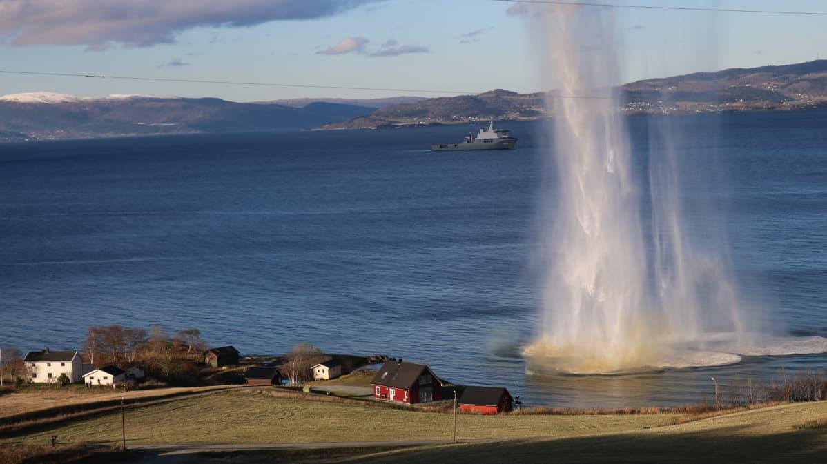 Nato järjesti taistelunäytöksen Trondheimin liepeillä osana Trident Juncture -sotaharjoitusta.