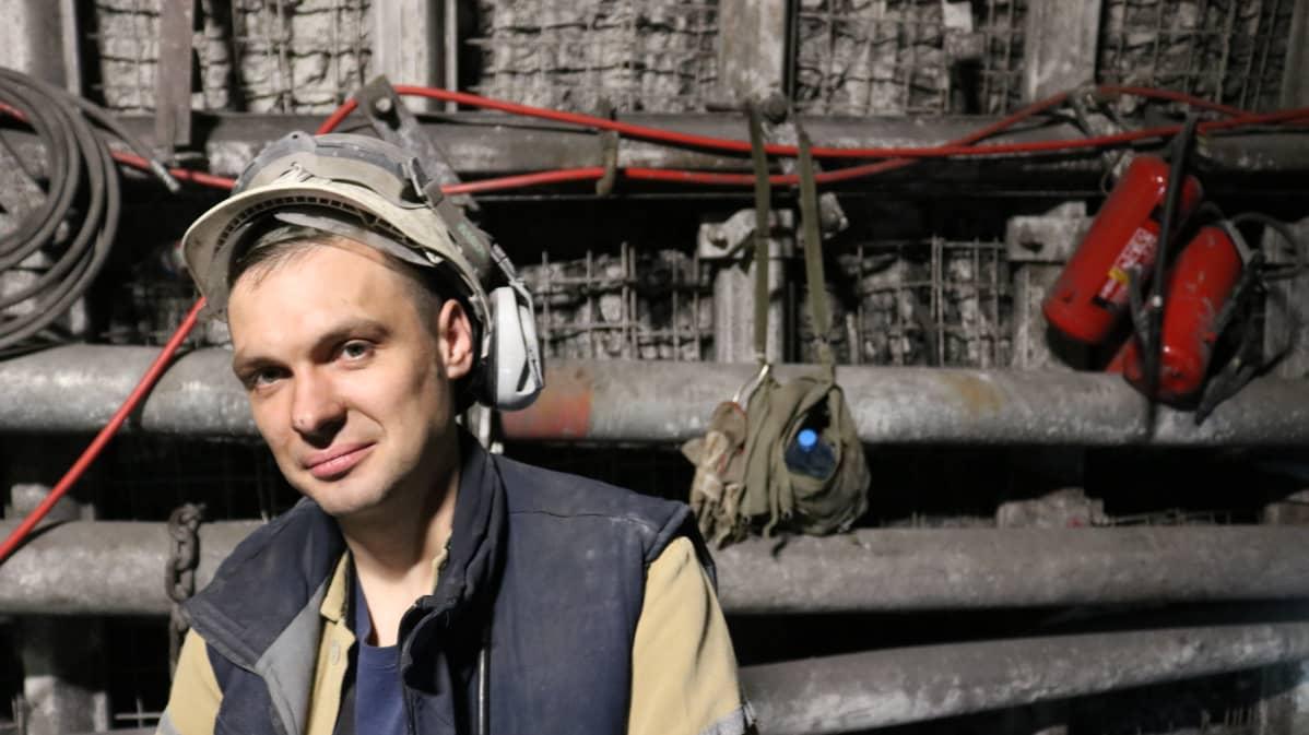 Marcin Wróbel työskentelee työnjohtajana Bogdankan hiilikaivoksessa.