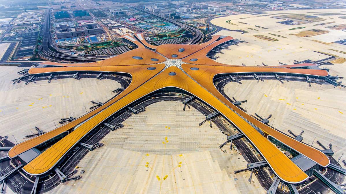 Ilmakuva lentoasemasta.