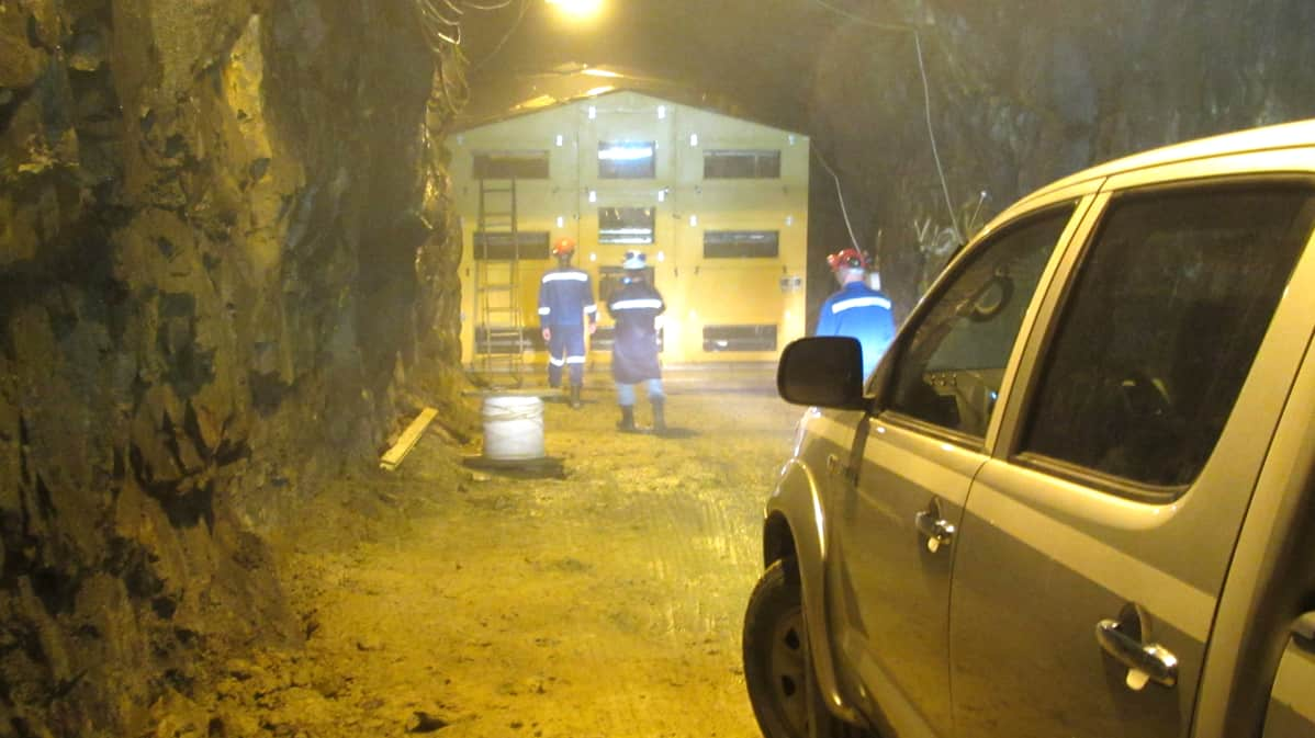 Pyhäsalmen kaivoksen uumenissa on jo meneillään pienimuotoisempi Emma-hiukkastutkimushanke.