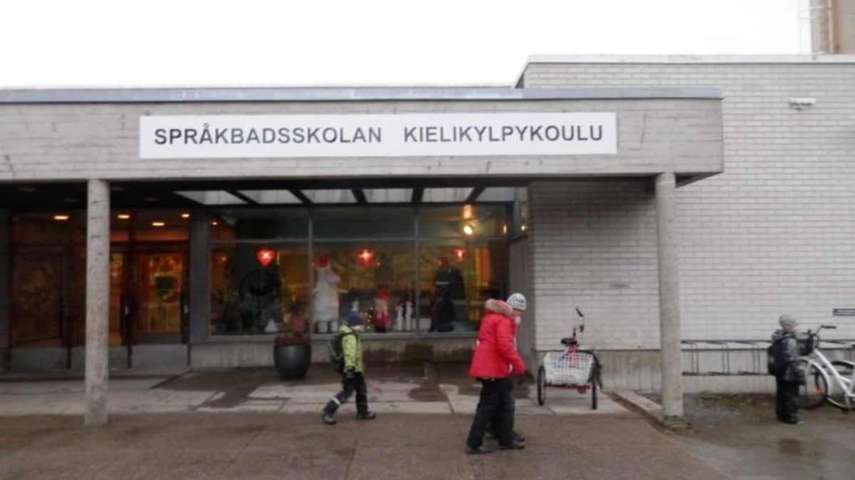 Pietarsaaren kielikylpykoululle tulisi selvityksen mukaan rakentaa kokonaan uudet tilat.