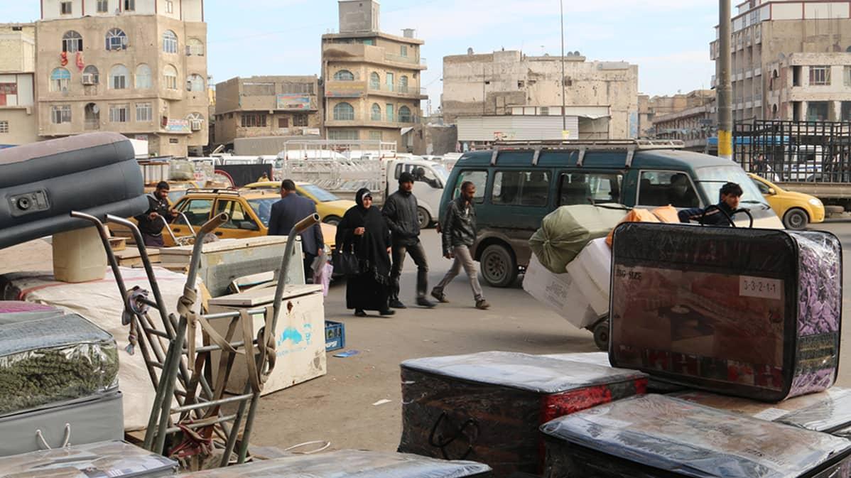 Irakin talous on kehnossa kunnossa ja tämä näkyy myös Bagdadin kaduilla.