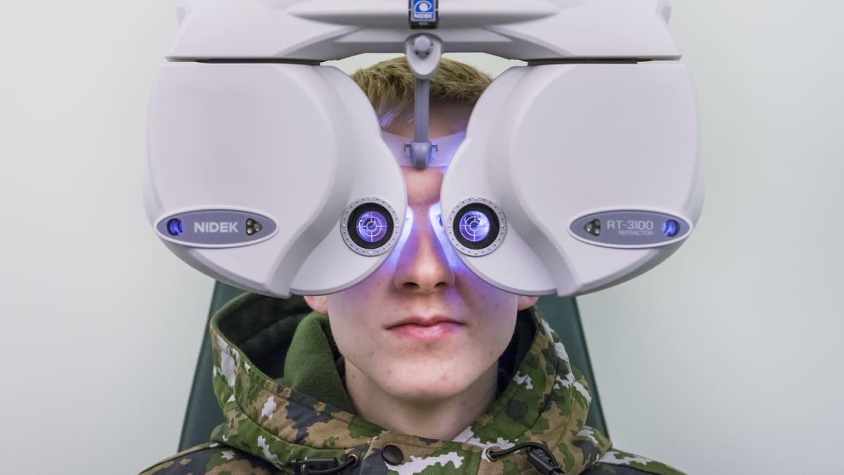 9 päivää ja 500 silmälasit  intin näöntarkastus yllättää – metsään ... 87328bf534