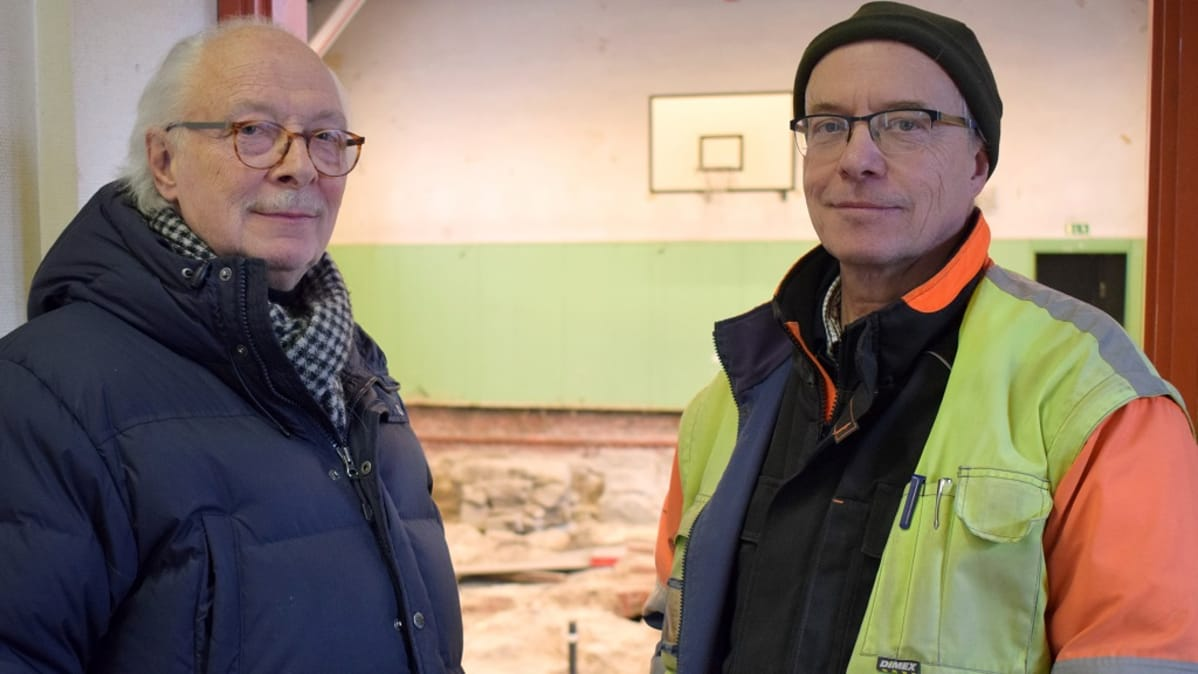 Arkkitehti Benito Casagrande ja kaivausjohtaja Kari Uotila.