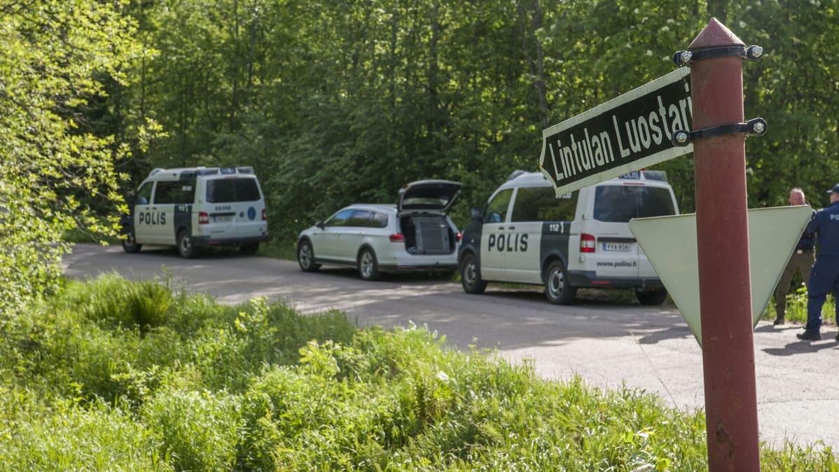 Viime heinäkuussa kadonneen nunnan etsintöjä on jatkettu Lintulan luostarin  läheisyydessä.Toni Pitkänen   Yle 48676f2e14