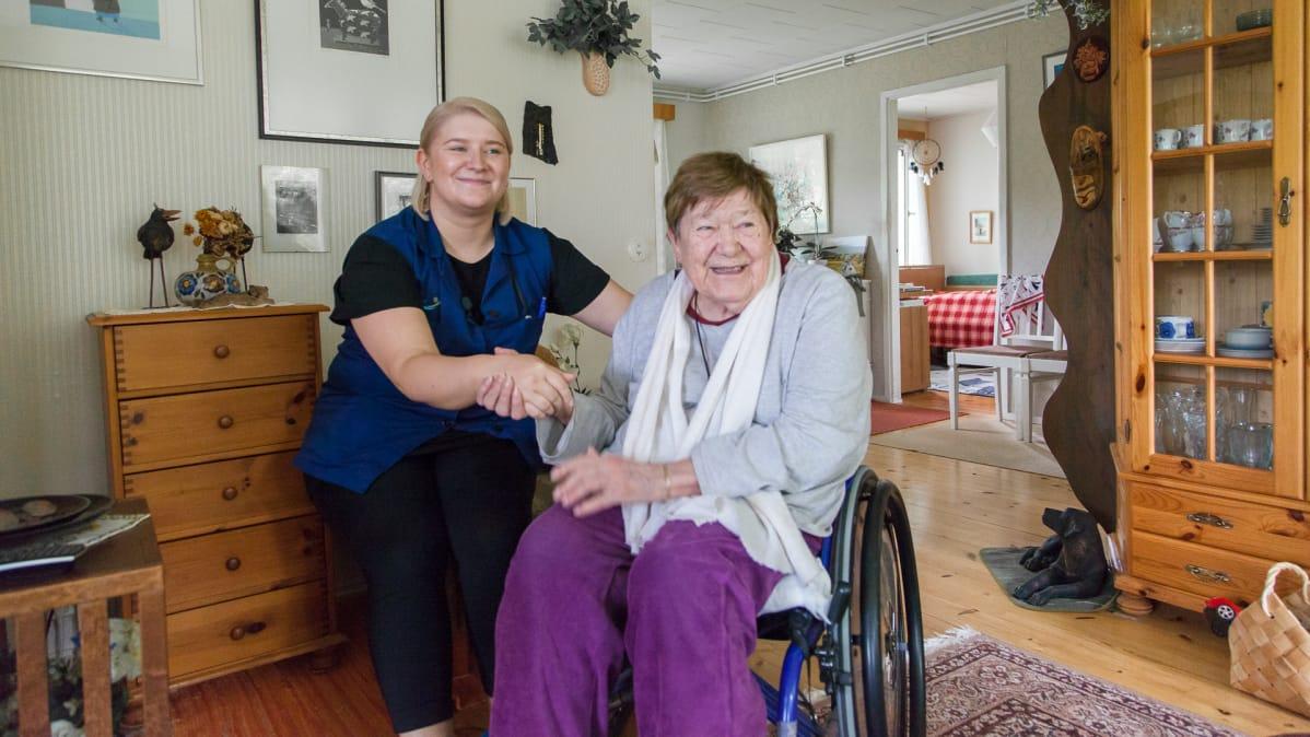 Eksoten kotihoito, Iisa Pylkkänen ja Ulla Myyryläinen