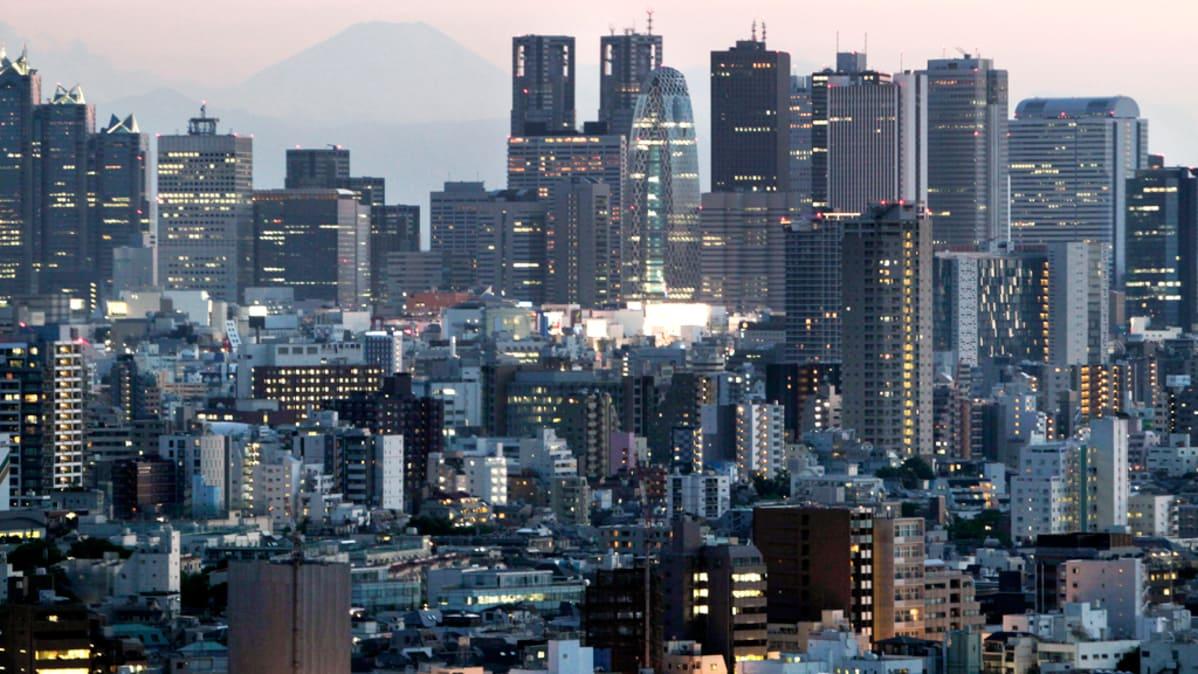 maailman suurin vimma Japani seksikäs eebenpuu teini