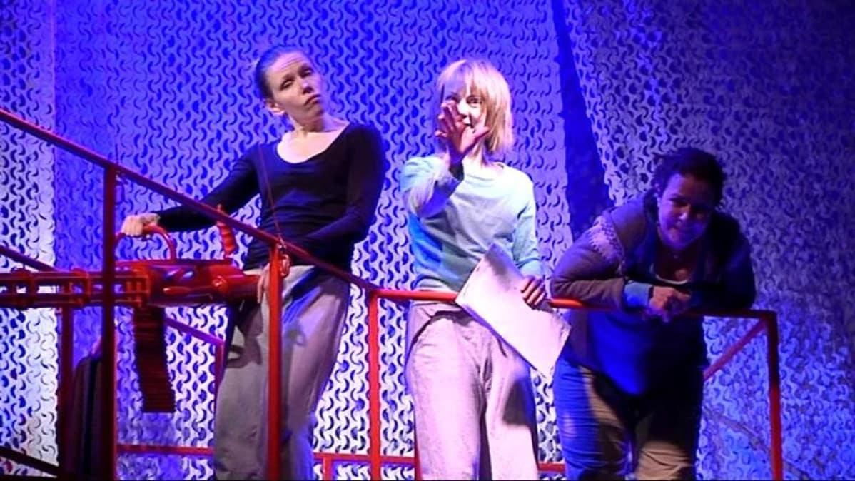 Terveiset Kutturasta -näytelmän harjoitukset Joensuun kaupunginteatterissa b10a5d3e87
