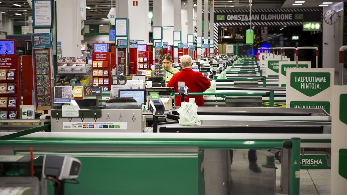 Prisma Kaari 24h myymälän kassa