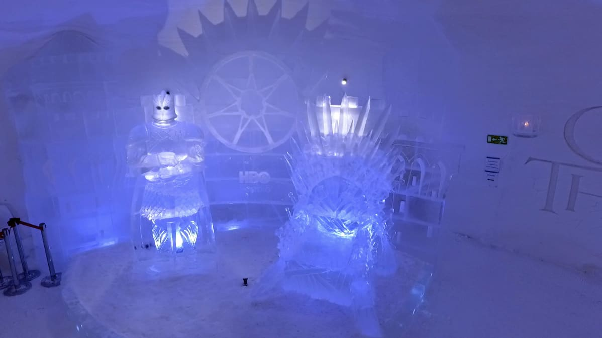 Game of thrones valtaistuinsali Snow Villagessa