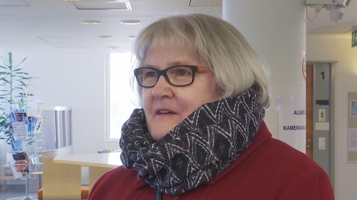 Imatralainen Marjo Valle on ollut eläkeputkessä jäätyään työttömäksi Postilta vuonna 2012.