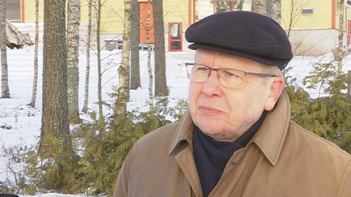 Sotahistorian tutkija Jukka Kulomaa