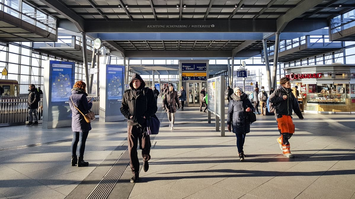 Berliinin Südkreuz-asema torstai-iltapäivänä.