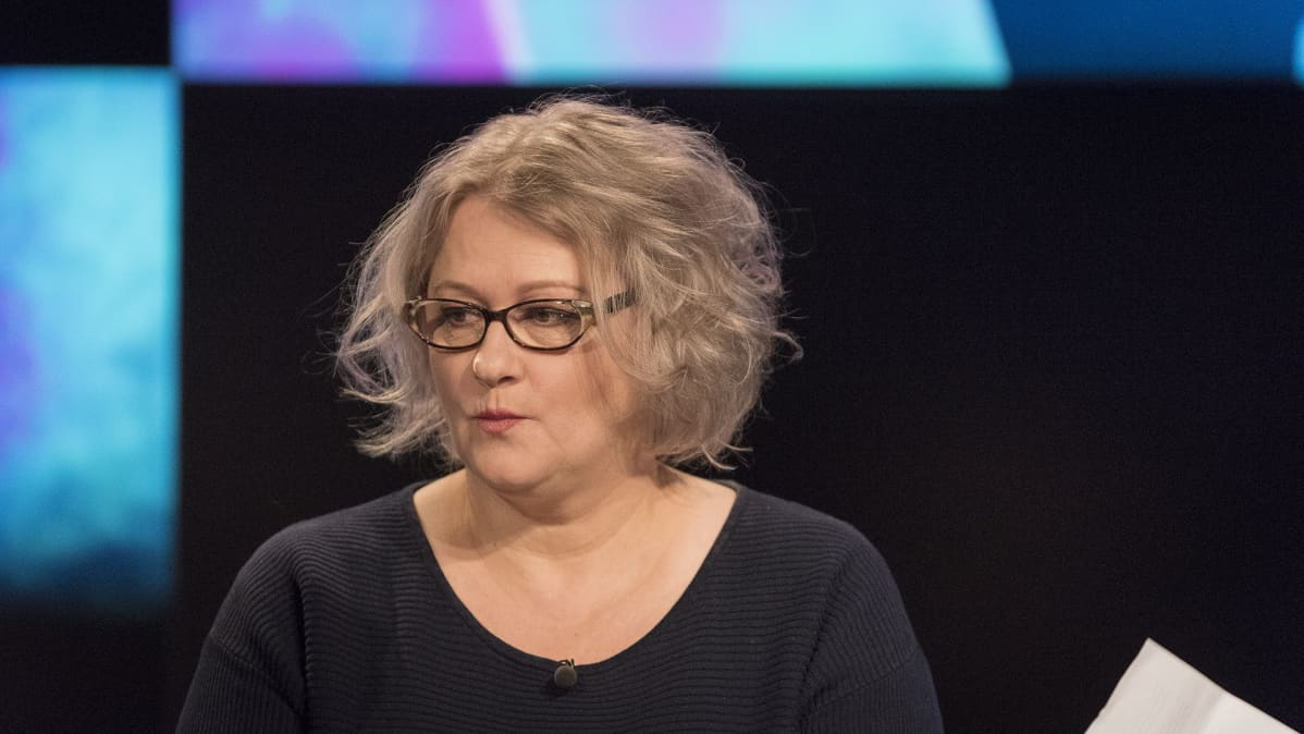 TeaKin näyttelijätyön lehtori Tiina Pirhonen.