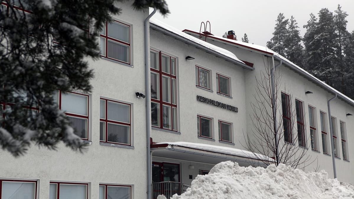 Keski-Palokan koulu Jyväskylässä.