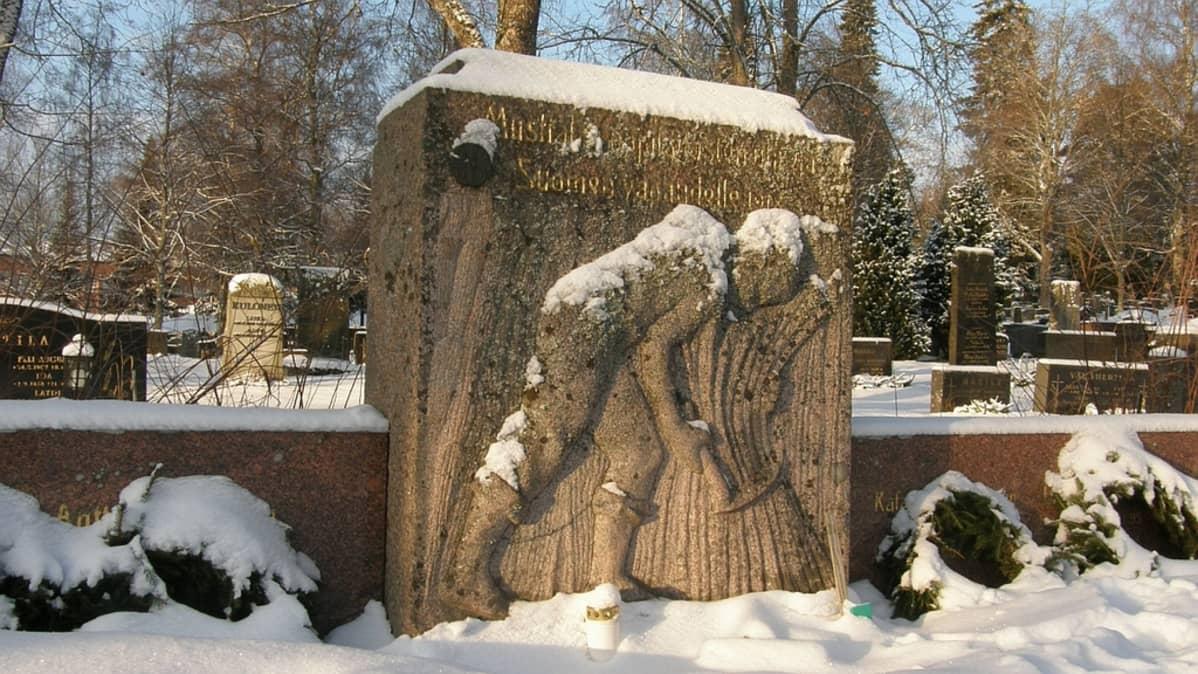 Mustialan oppilaiden hauta Tammelan hautausmaalla