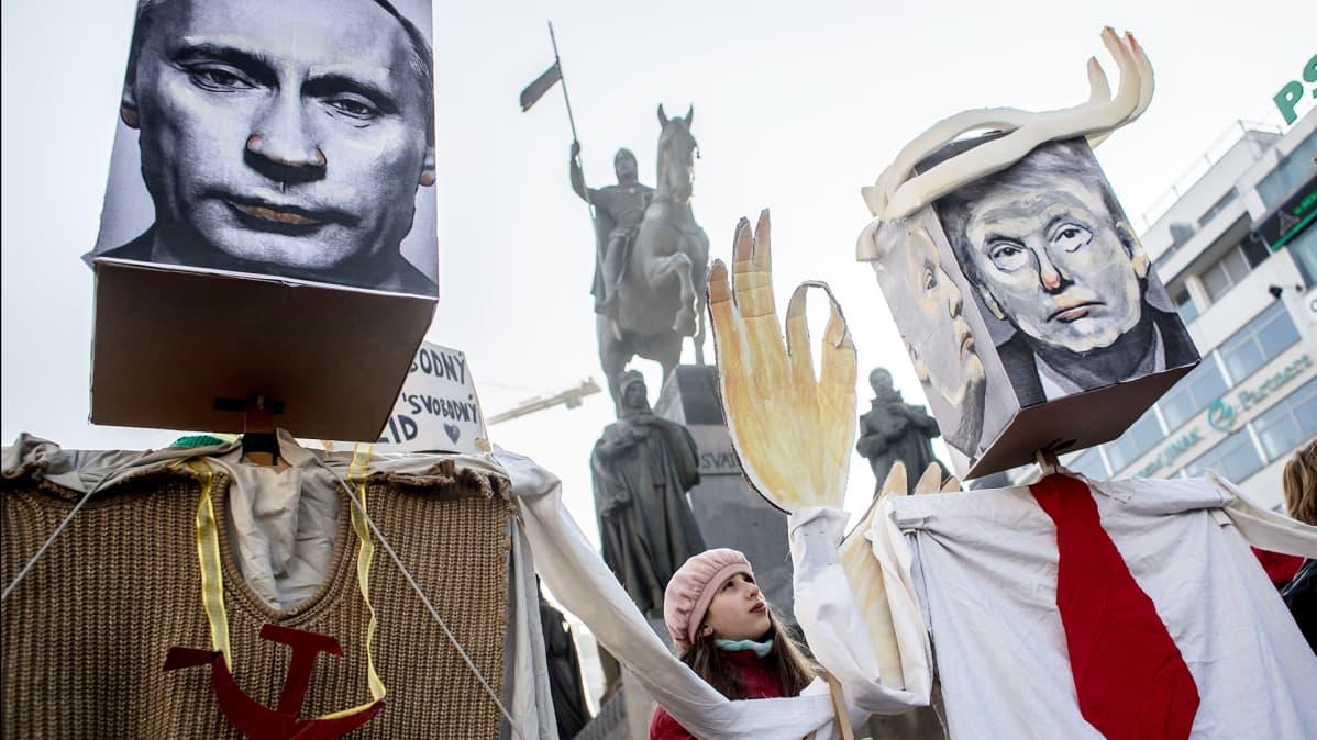 Mielenosoitus naisten oikeuksien puolesta Prahassa 2017.