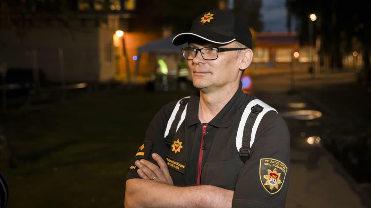 Apulaispalopäällikkö Ari Virtanen