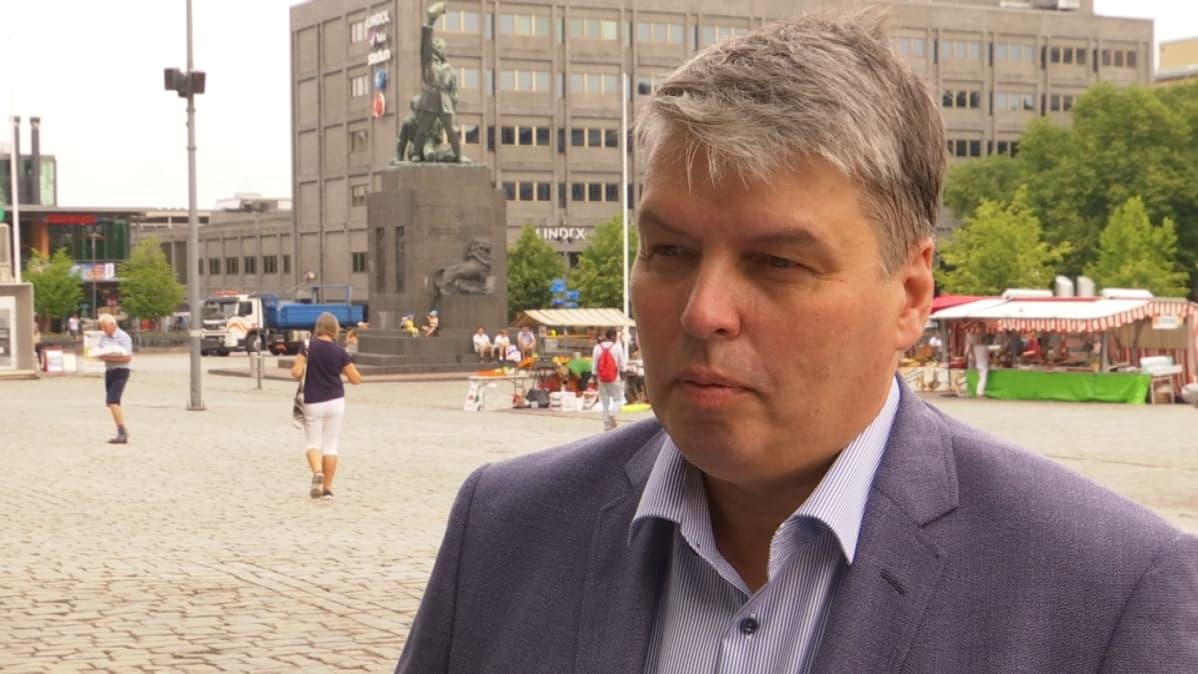 Elisan Pohjanmaan aluejohtaja Harri Suokko.