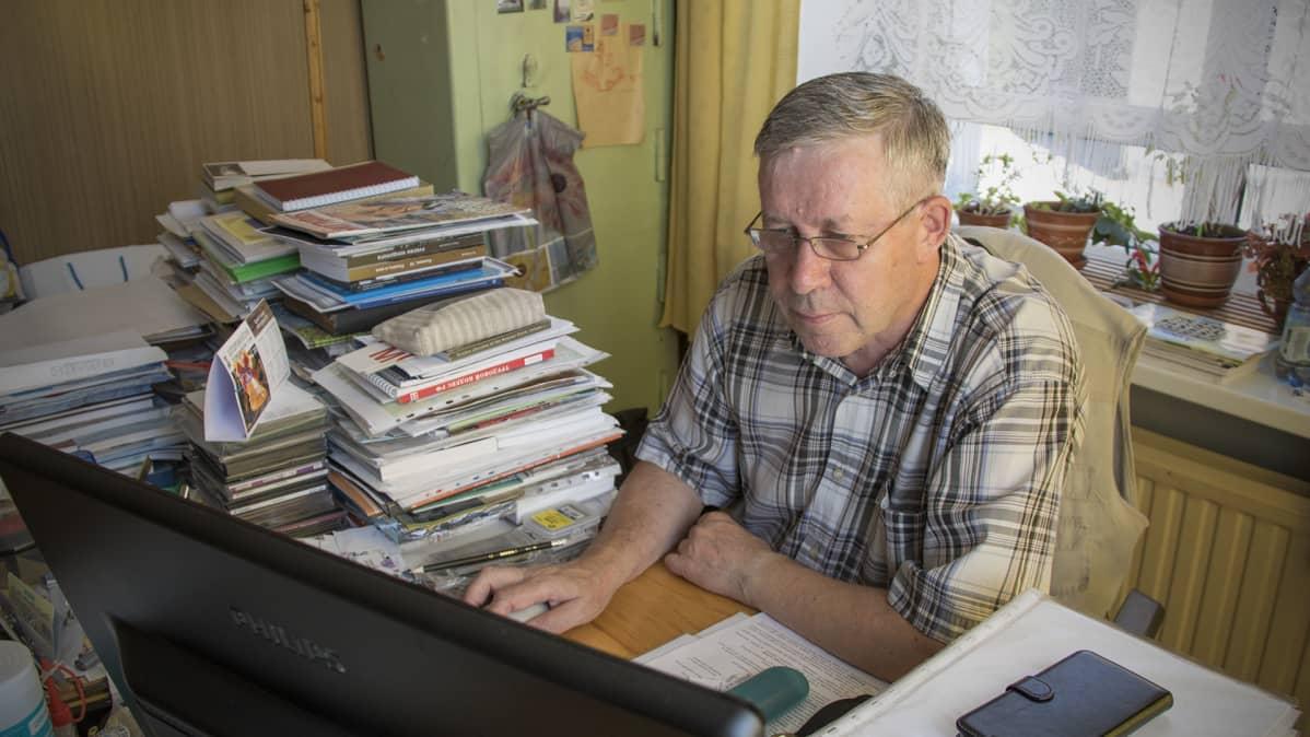 Museonjohtaja Sergei Koltyrin
