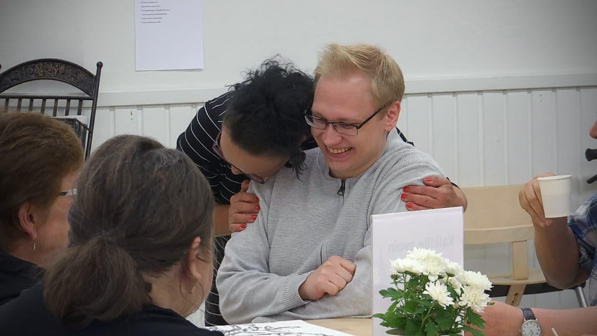 Jyri Oksanen Toimintojentalolla Seinäjoen Kasperissa.