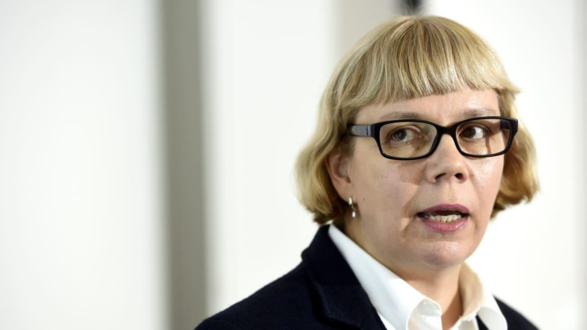 Julkisen sanan neuvoston puheenjohtaja Elina Grundström.