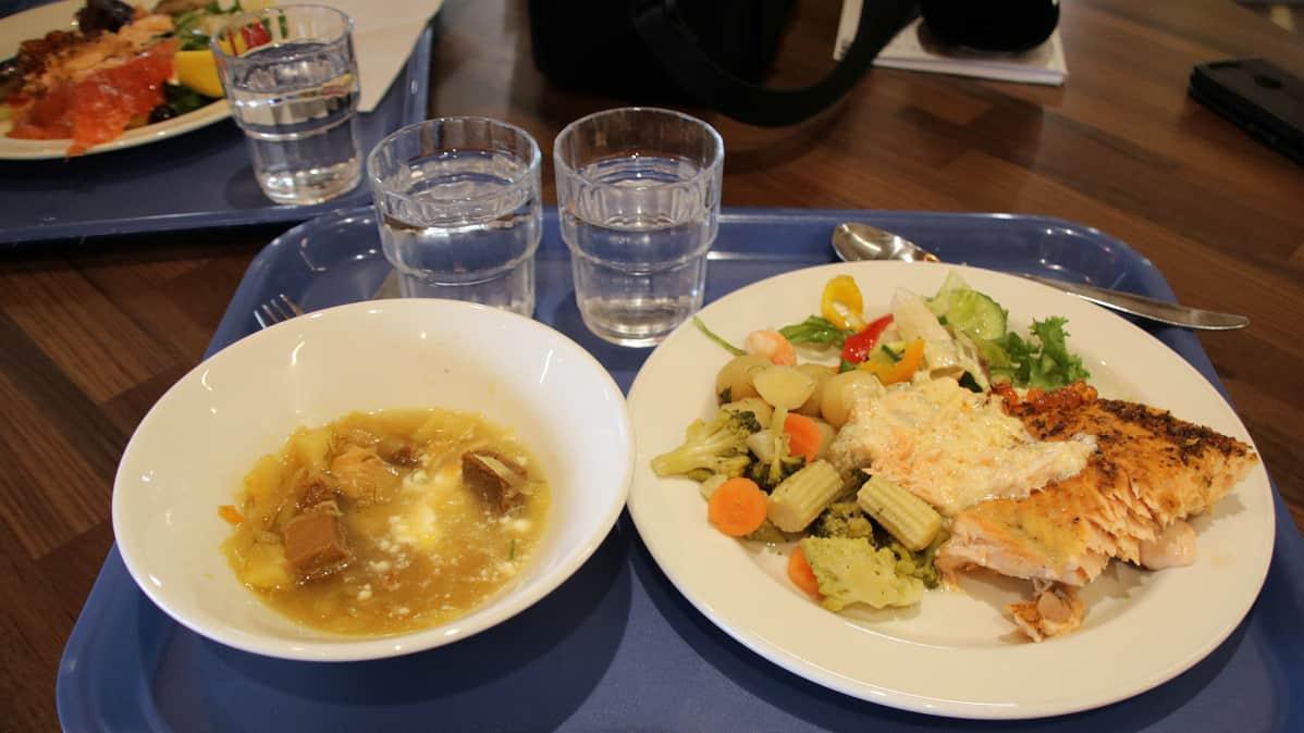 lounasbuffet