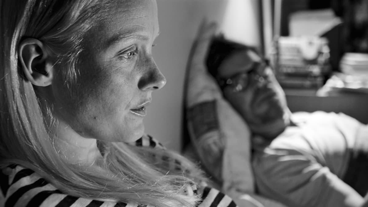 Pihla Sucksdorff (Laura Birn) ja Eero Kaila (Tommi Korpela)