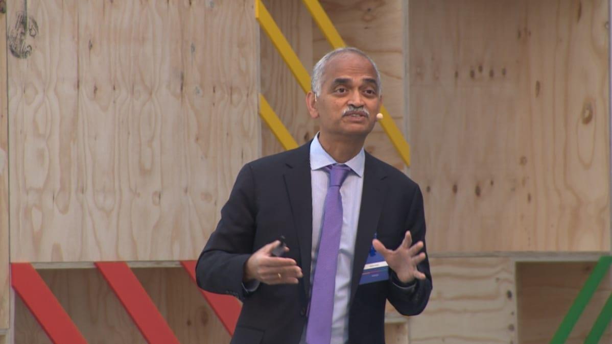 Googlen hausta vastaava varapääjohtaja Pandu Nayak puhui hakukoneen 20-vuotisjuhlissa Brysselissä.