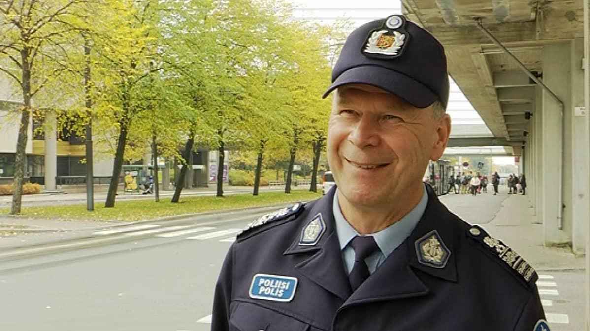 Poliisitarkastaja Heikki Ihalainen on ollut kehittämässä automaattista liikennevalvontaa 90-luvulta lähtien.