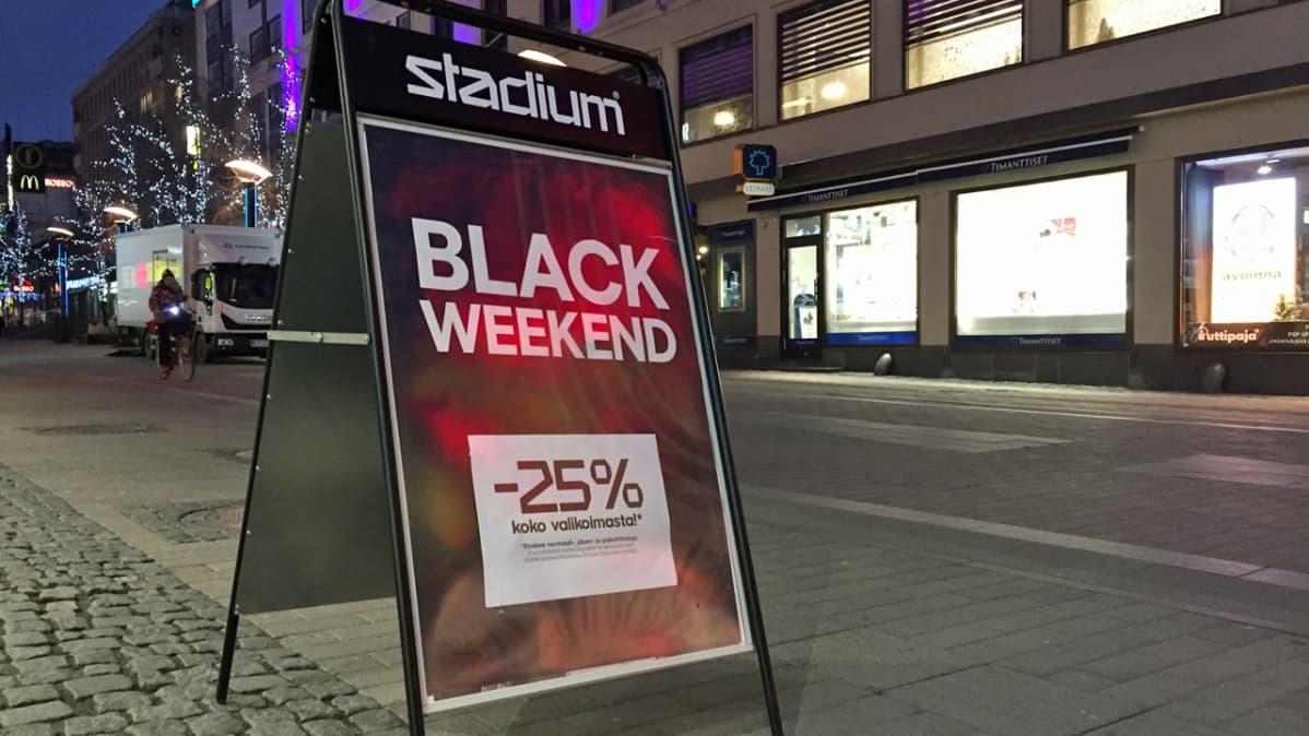 Black Weekend -kyltti