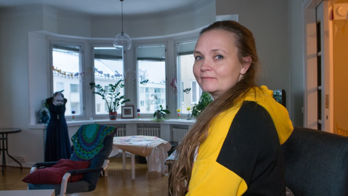 Tyttöjen talon johtaja Johanna Luomala..