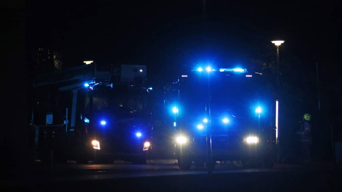 Kuvan paloautot eivät liity tapaukseen.