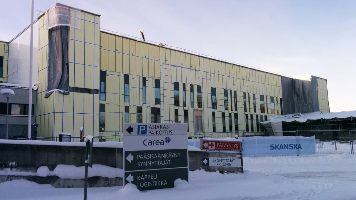 Kymenlaakson keskussairaalan uusi laajennusosa ulkoa.