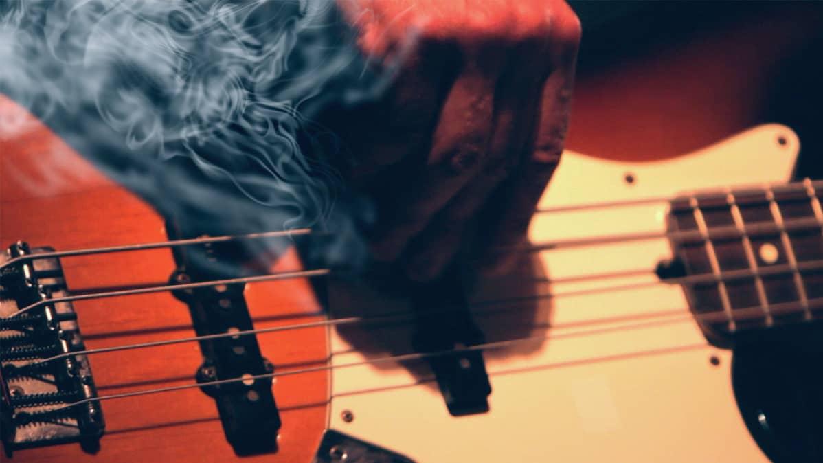 Savua basson sisältä.