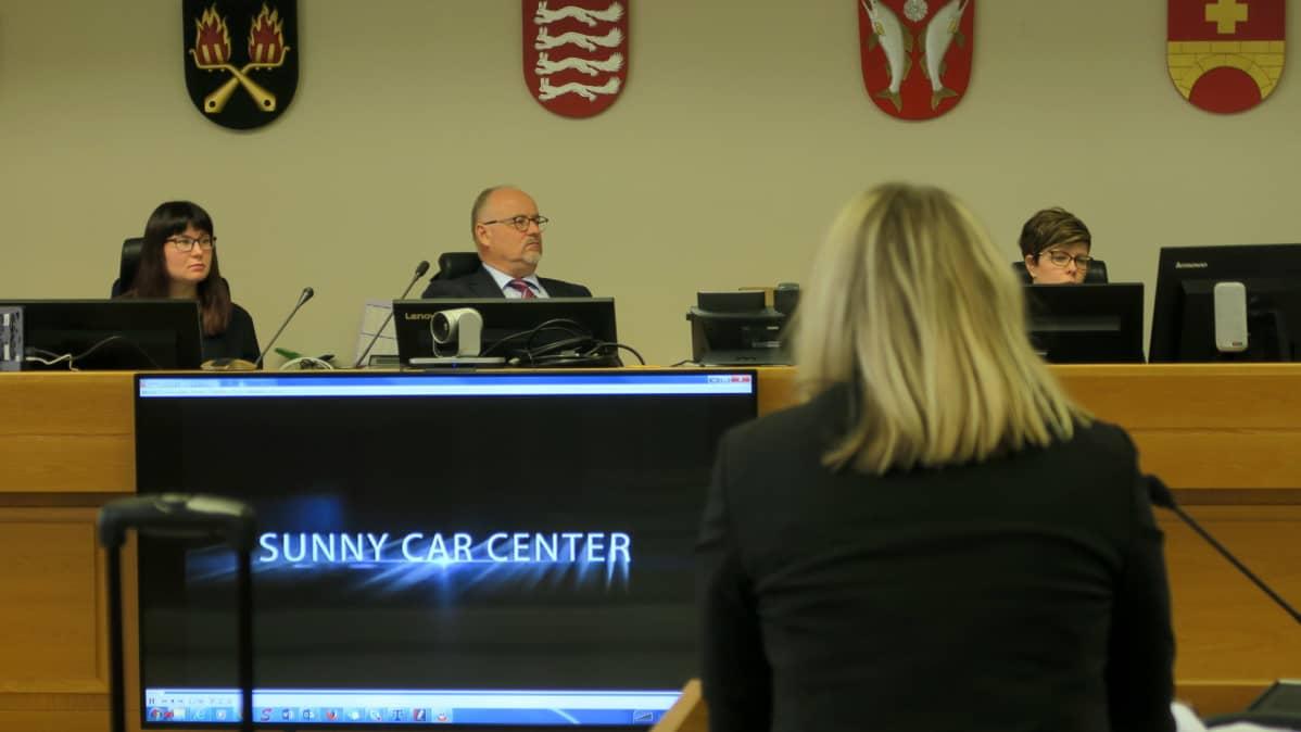 Sunny Car Center -jutun oikeudenistuntoa Kanta-Hämeen käräjäoikeudessa