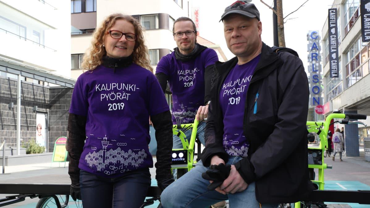 Kuopion kaupungin suunnitteluinsinööri Hanna Väätäinen, projektiasiantuntija Timo Ollikainen ja projektipäällikkö Jouni Huhtinen.