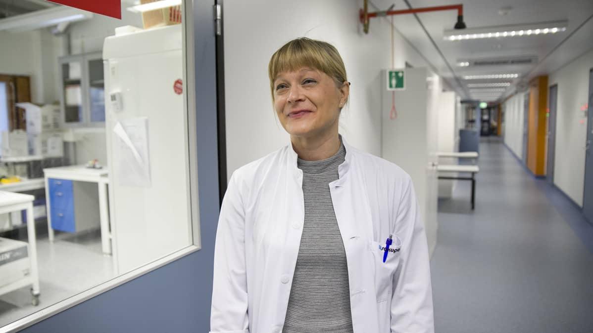 Lastentautien erikoislääkäri Katri Backman