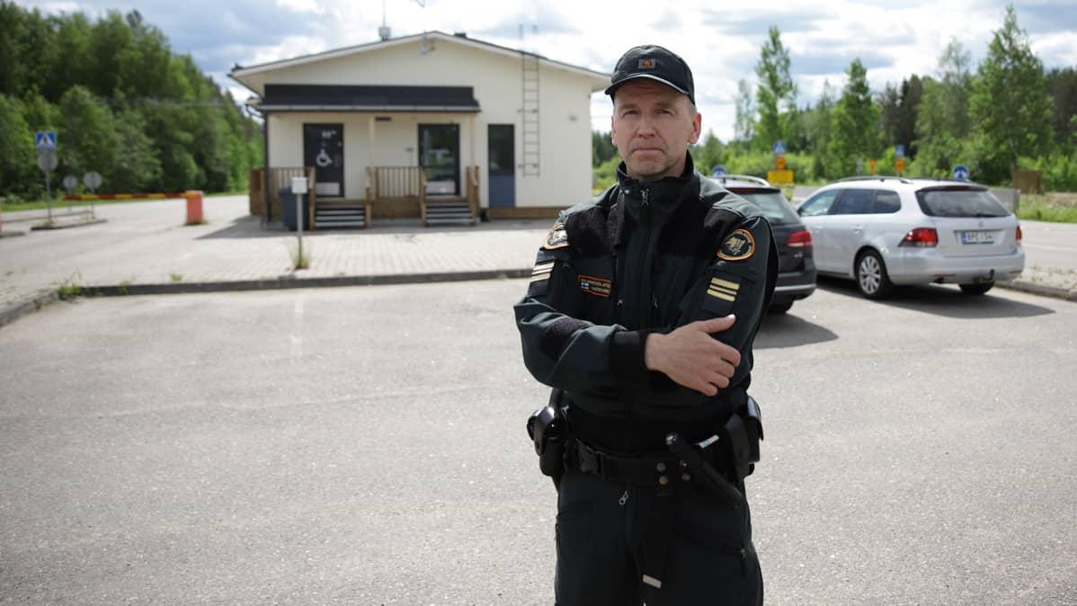 Kolmikannan rajavartioaseman päällikkö Olli Laatikainen
