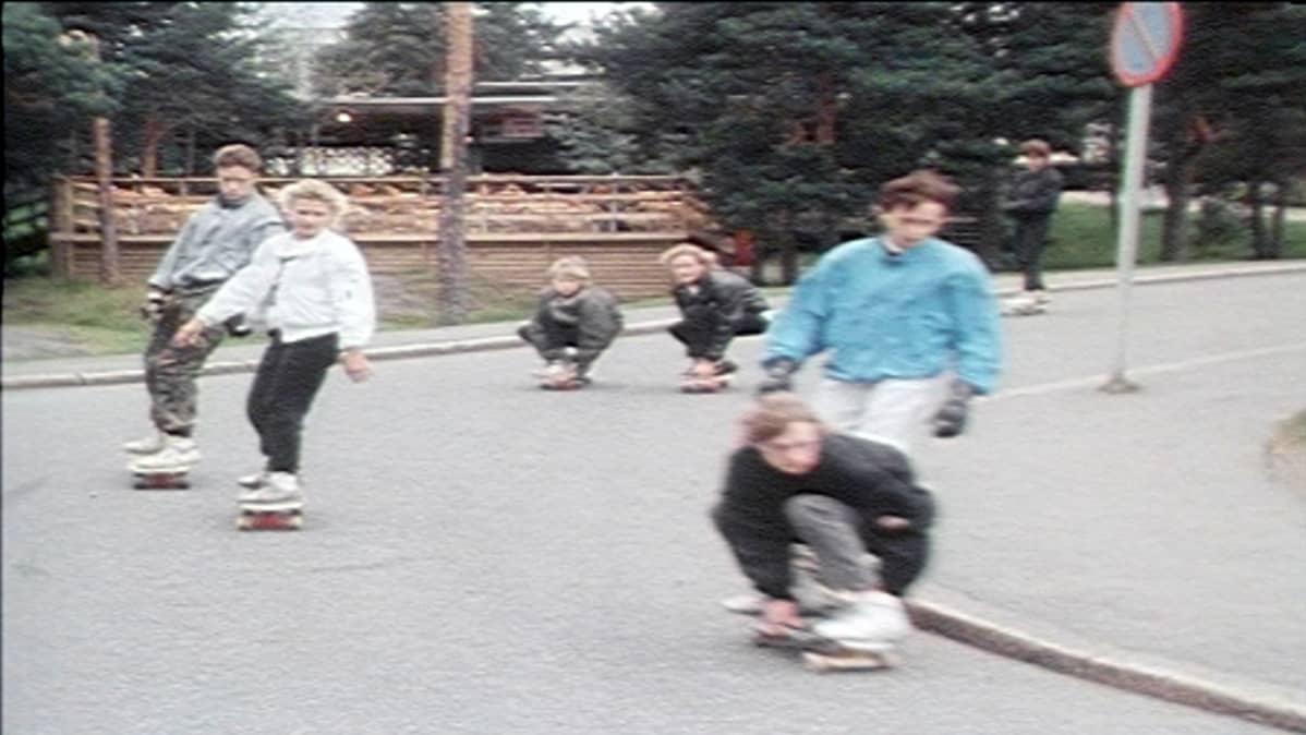 Rullalautailua Tampereella 1987.