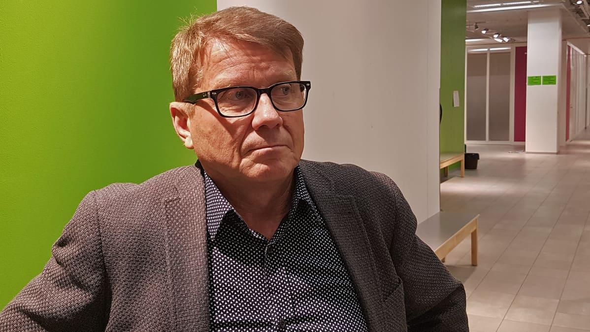 rehtori Petri Huovila