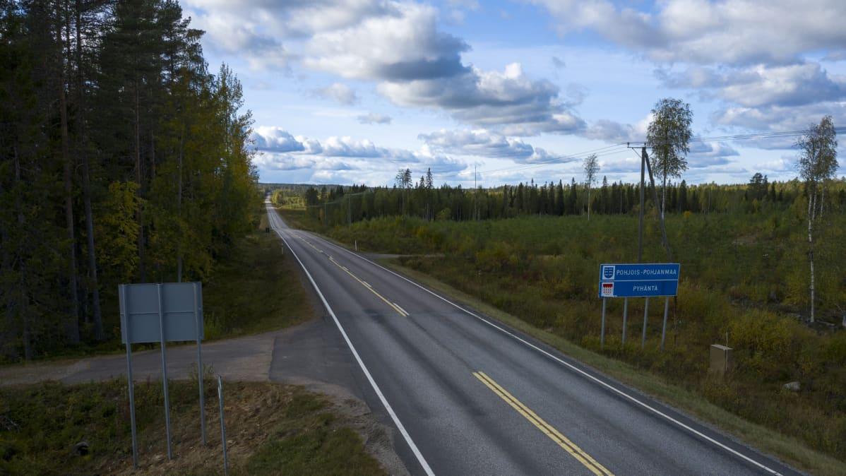 Tälle alueelle Pyhännässä tulee Ilmattaren tuulivoimaloita, jotka tuottavat sähköä Googlelle.