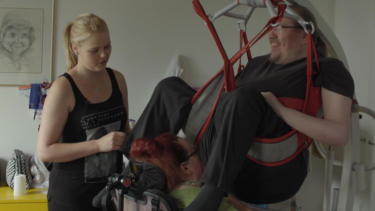 Jannina Tallberg aloitti puolitoista vuotta sitten Miika Riikosen henkilökohtaisena avustajana.